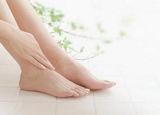 """ドイツ生まれのフットケア「フスフレーゲ」で美しい素足へ 女性の為の足専用サロン「Suasie (スアシエ)」 ~表参道の女性限定 隠れ家個室で素足に""""美""""と""""健康""""を~"""
