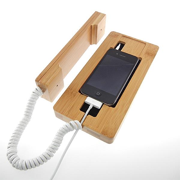 【上海問屋限定販売】竹素材が美しい iPhone を固定電話に変身させる竹製 iPhone 用 受話器付き充電スタンド販売開始