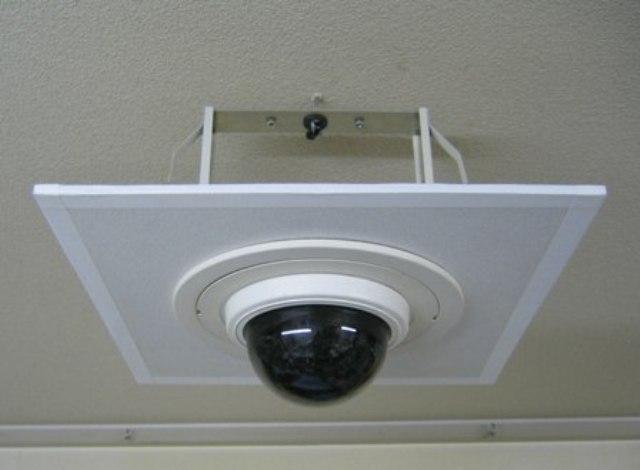防犯設備工事を容易にする/防犯用シーリングホールの新製品