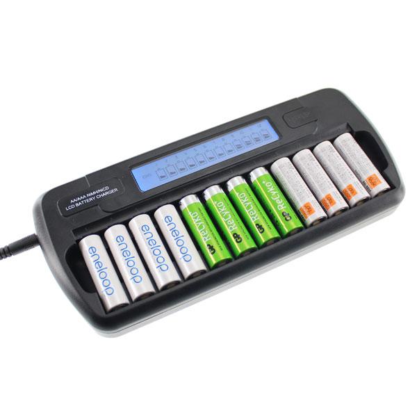 【上海問屋限定販売】 毎日使うものだから身近なところでエコ活動 一度に12本充電可能 液晶表示で充電状況が見やすい 単三単四電池対応 充電器販売開始