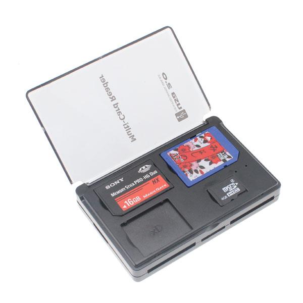 【上海問屋限定販売】 カードリーダーと収納ケースが合体 大事なメモリカードの紛失防止に カード収納つきUSB2.0メモリカードリーダー 販売開始