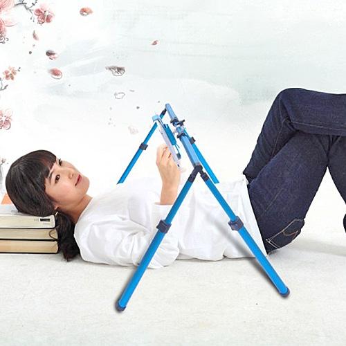 【上海問屋限定販売】寝転びながらiPad ママの代わりに赤ちゃんをあやしたり 使い方色々 折り畳み式iPadスタンド 販売開始