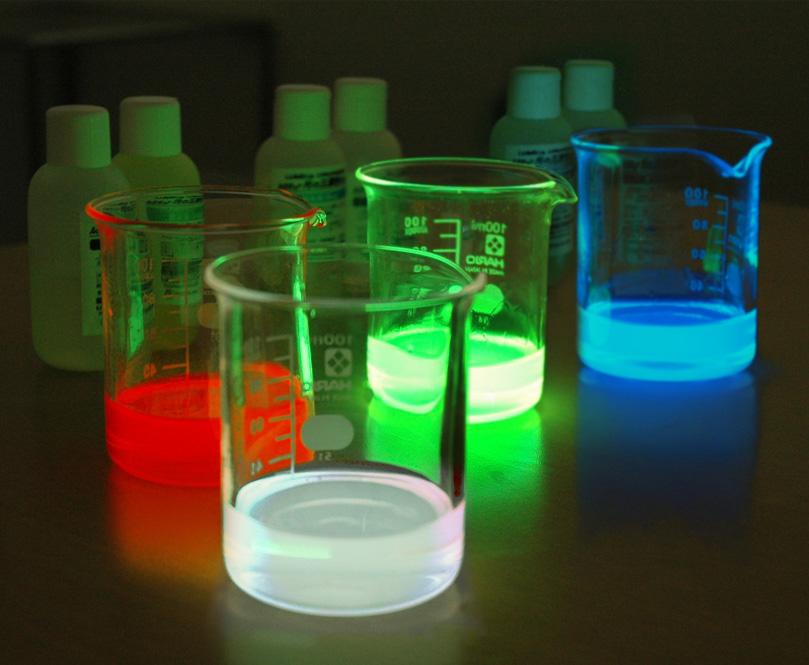 化学発光の学習に『ルミキット』販売開始 ~ホタルはなぜ光る?光の三原色も体験~