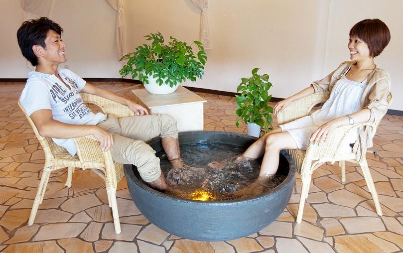 ♨天然温泉の 『足湯』 が登場!♨ 株式会社ナクアホテル&リゾーツマネジメントは、9月21日(金)~23日(日) 『JATA国際観光フォーラム・旅博2012』に出展します