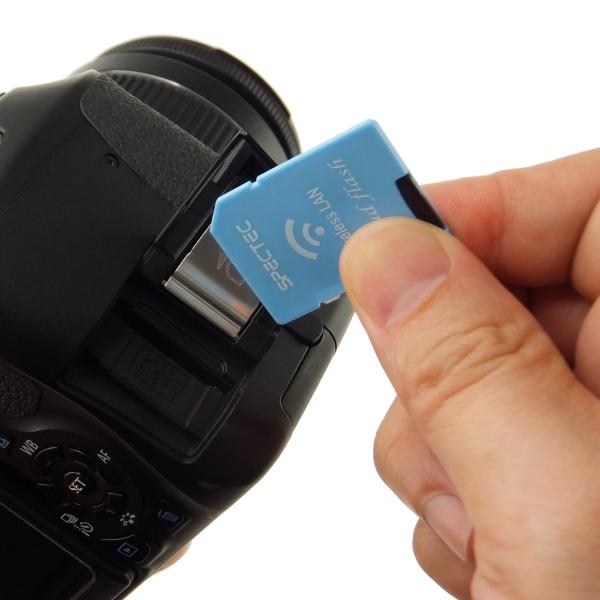 【上海問屋限定販売】iPhoneやスマホで、カメラで撮影した画像をすぐに見られる 無線LAN機能搭載SDカードアダプター 販売開始