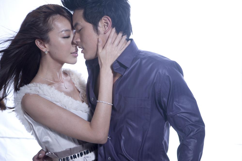 劇場版公開記念! 「結婚って、幸せですか」1~15話一挙無料配信! 「ビデオマーケット」にて8月2日より1ヶ月間限定の 無料キャンペーンスタート!