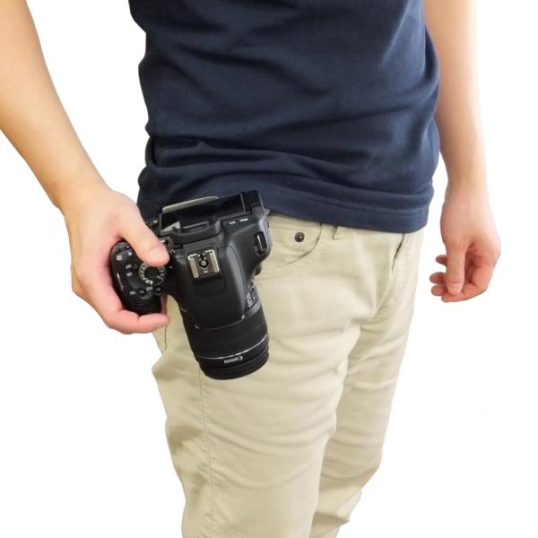【上海問屋限定販売】 一眼カメラを腰に装着 ぶら下げないからぶつからない 一眼カメラ用バックルホルダー 販売開始
