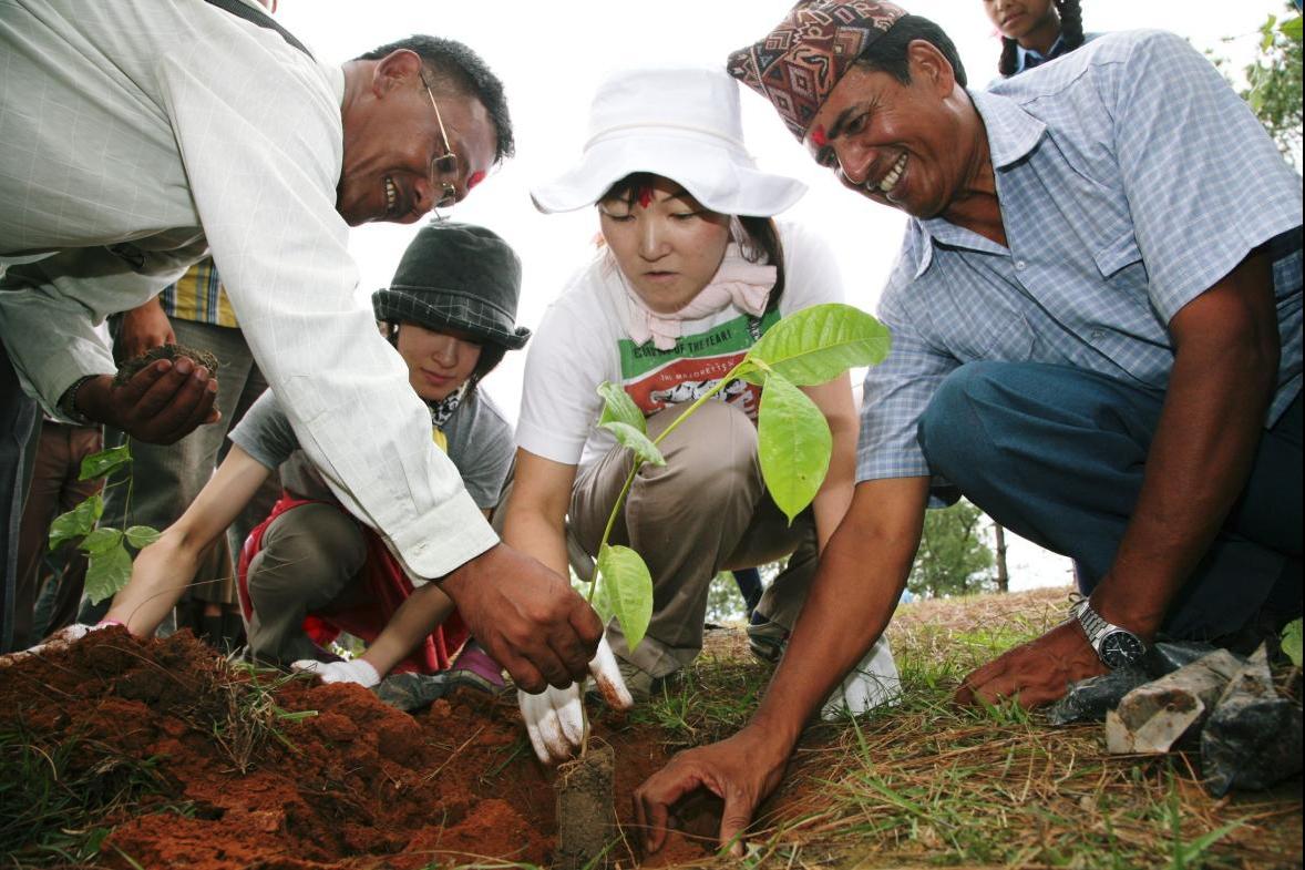 ~未来の子どもたちへ、豊かな自然を~ 世界遺産、ネパール最古の寺院へ5,000本の木を植樹 ボランティア参加者の募集を開始 渡航日程:2014年7/27(日)~7/31(木)