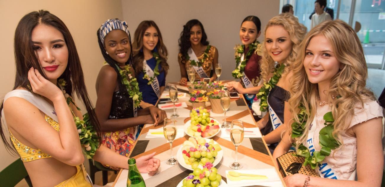 ハワイ生まれのサラダ専門店「アロハサラダ」 2017年12月、日本初上陸! 原宿店グランドオープンに先駆け、 ミス・インターナショナル代表7名を招き試食会を開催