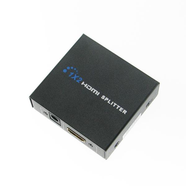 【上海問屋限定販売】 映像を2台のモニタに表示可能 手のひらサイズのHDMI分配器販売開始