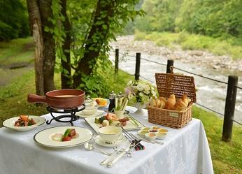 【夏の女子旅応援】渓流テラスで朝食♪清涼女子会プラン
