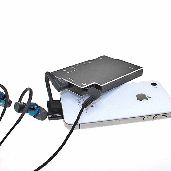 【上海問屋限定販売】 iPhoneぐらい薄いから携帯性バツグン いつでも良い音で音楽を楽しむ バッテリー内蔵薄型ポータブルヘッドフォンアンプ販売開始