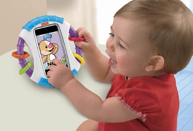 アメリカで大ヒット中のアイテムが日本上陸!  iPhoneⓇやiPod touchⓇをガードしながら、赤ちゃんが遊べてママ・パパも安心な画期的なケース フィッシャープライス 「赤ちゃん専用ⅰケース」 (1,995円税込) 6月16日(土) 新発売