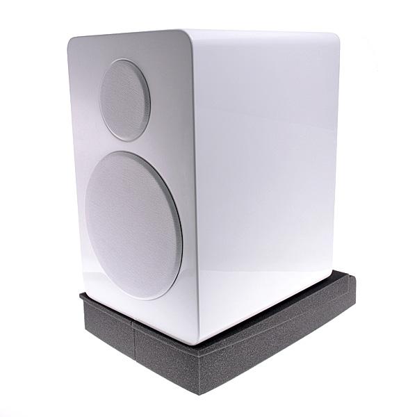 【上海問屋限定販売】スピーカーの無駄な振動を吸収 もっと良い音を楽しむために硬質スポンジ製インシュレーター 販売開始