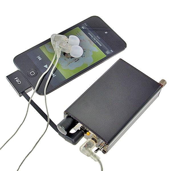 【上海問屋限定販売】iPhoneより小さいヘッドフォンアンプ 軽量だから持ち運びも楽々ポータブルヘッドフォンアンプ 販売開始