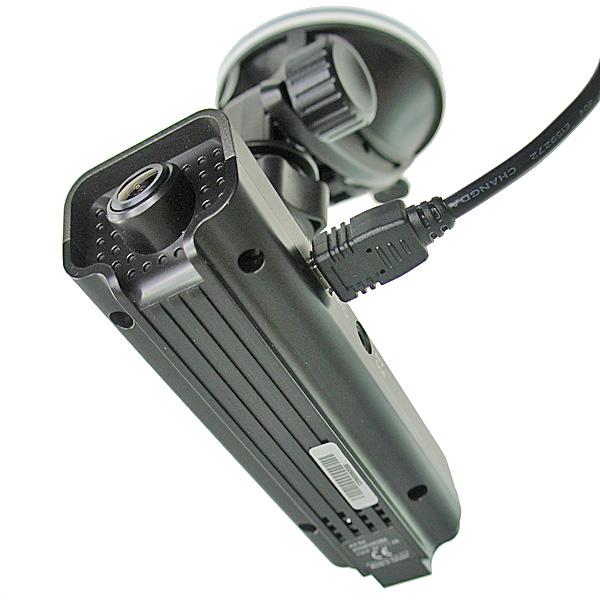 【上海問屋限定販売】 年末年始のドライブ時につけていれば安心 広角120度レンズ搭載 コンパクトドライブレコーダー 販売開始