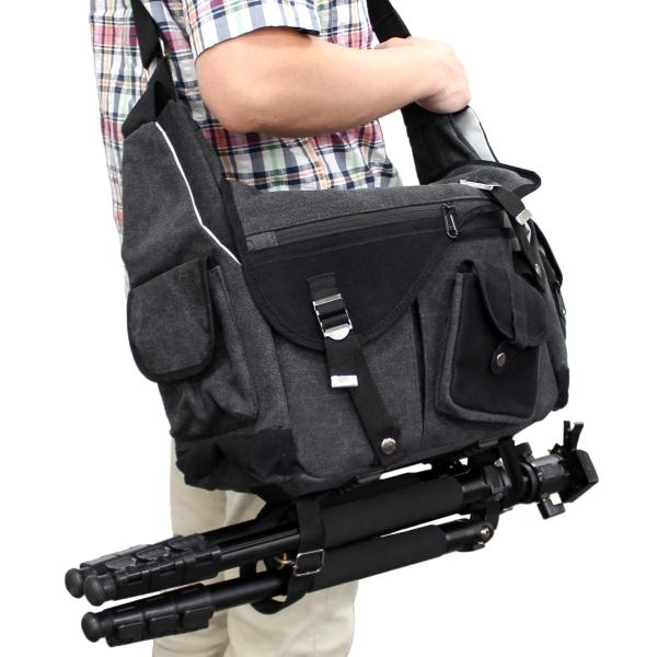 【上海問屋限定販売】増え続けるカメラ機材を安心して持ち運ぶ 小分けポケットがクッション素材でショックを和らげる ショルダー式カメラバッグ 販売開始