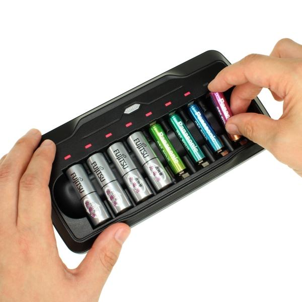 【上海問屋限定販売】 リフレッシュできる放電機能があるから 繰り返し使う充電池の寿命もアップ ニッケル水素充電池対応充電器(単三・単四 8本用)販売開始