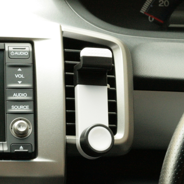 【上海問屋限定販売】  エアコン吹き出し口にスマホを設置 ダッシュボードではないので視界の邪魔にならない エアコン吹き出し口取付 スリムスマホホルダー 販売開始