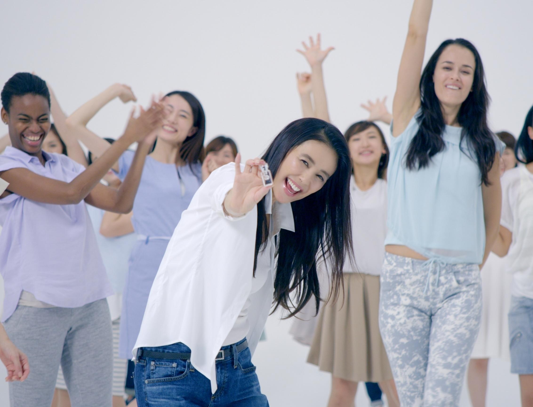 ~ハーバー新テレビCM完成~  萬田久子さんを起用したテレビCM『やっぱり、スクワランが好き!』2014年10月17日(金)より放映開始