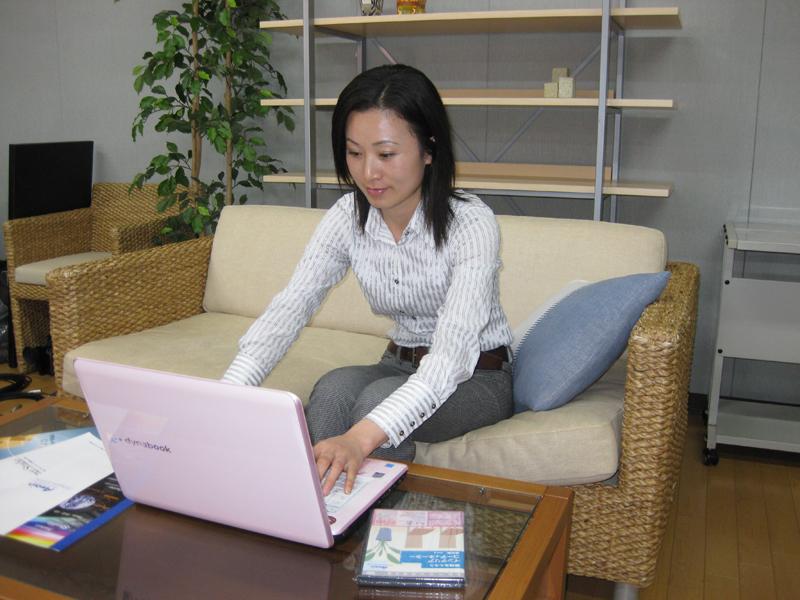 DTPデザイナー教育にeラーニングを導入しませんか eラーニングDTPデザイナー育成教材セットを専門学校や企業の技術研修に台数無制限でご利用いただけるサービス(デスクトップパブリッシング)