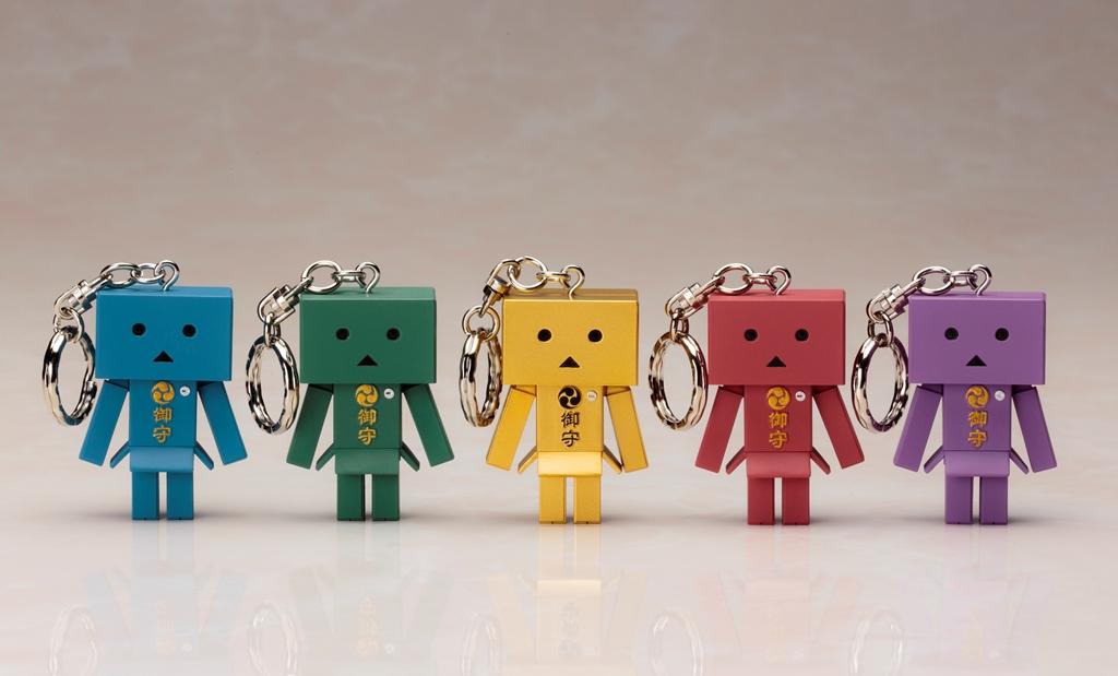『よつばと!』の大人気キャラクター「ダンボー」がお守りに!「omamori DANBOARD」 2015年11月発売予定