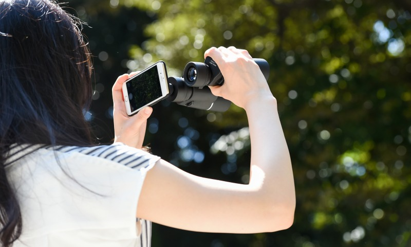【上海問屋限定販売】 双眼鏡の中の世界をiPhoneで撮ろう ある時は双眼鏡 ある時は望遠レンズ  ライブビュー撮影可能な双眼鏡 販売開始