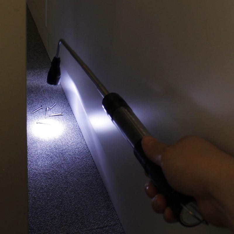 【上海問屋限定販売】 カーメンテナンス、アウトドア、非常時 オールマイティに役立つライト マグネット付 2WAY 伸縮式LEDライト 販売開始