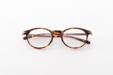 お洒落を楽しむ秋。洗練された大人のMIXスタイルをご提案 アイメガネ限定オリジナルフレーム第2弾 「PRODUCTEYES -CLASSIC-」 (プロダクツアイズ クラシック) 2018年11月1日(木)よりアイメガネ全店にて販売開始