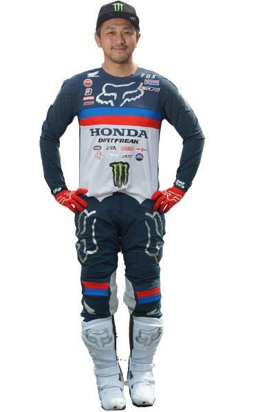 オートバイ用品販売老舗のナップス 日本を代表するプロモトクロスライダー成田亮選手とスポンサー契約を締結 ~ 全てのライダーに勇気を与える成田選手を応援します~